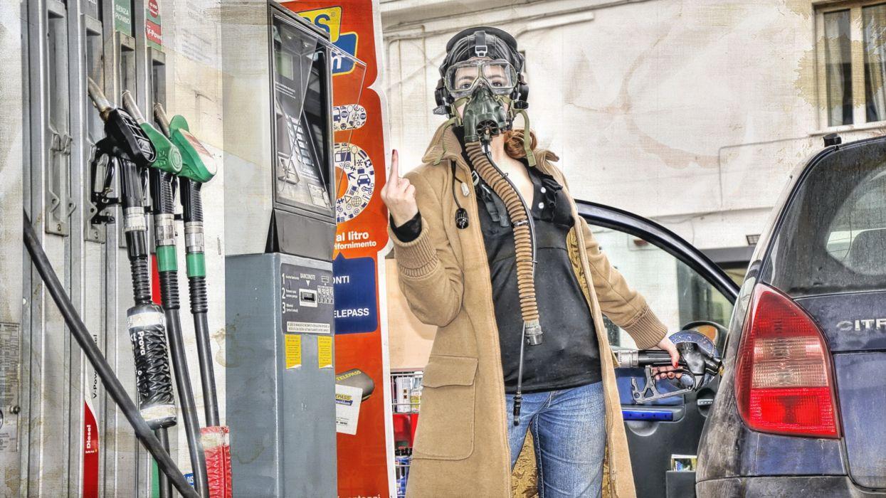 gas mask sadic finger humor women mood wallpaper