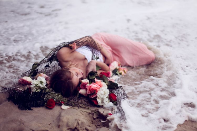 girl sea networks flowers the situation mood wallpaper