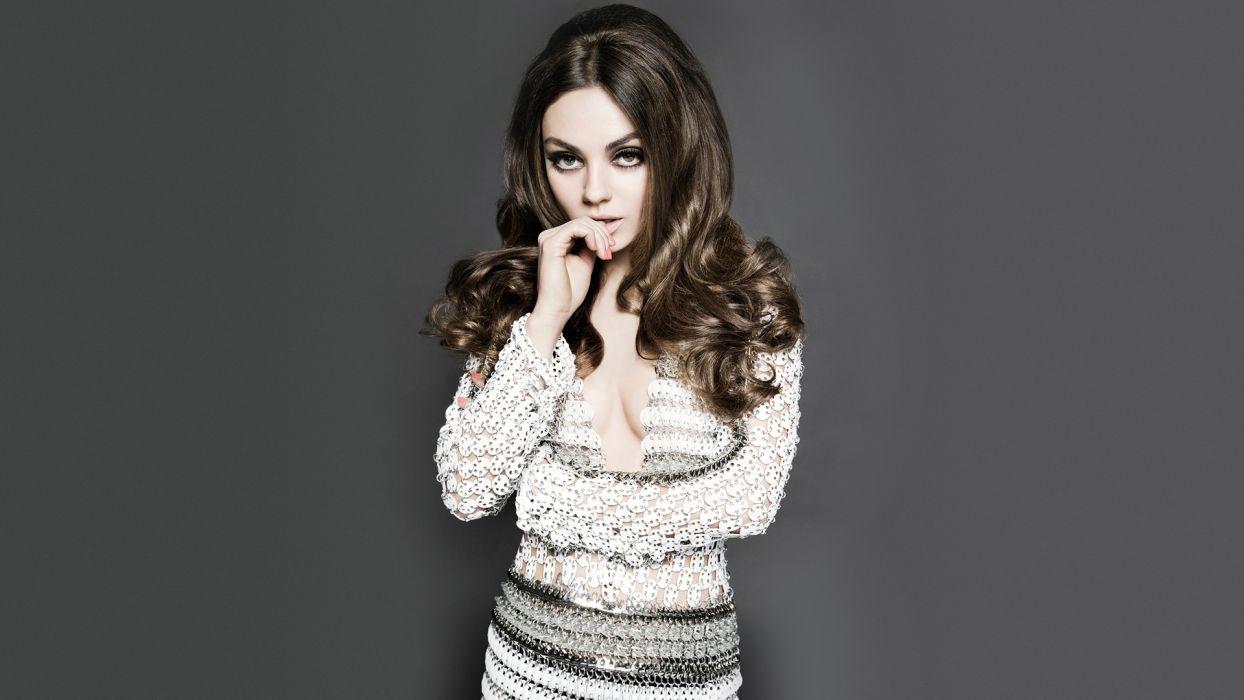 Mila Kunis Brunette wallpaper