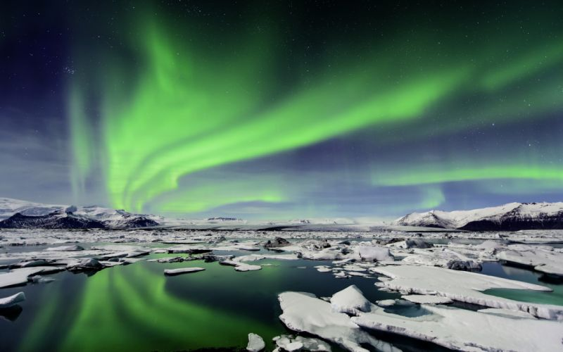 Iceland Northern Lights ice mountains reflection wallpaper