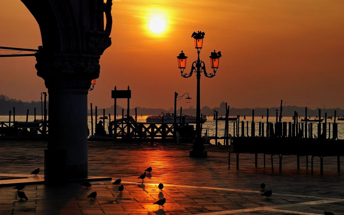 Italy  Piazza San Marco  sunset  Venice Doge's Palace birds wallpaper