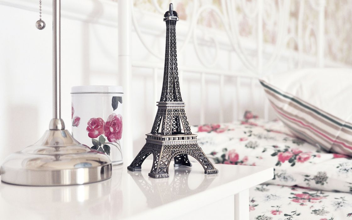 roses table figurine the Eiffel Tower bokeh wallpaper