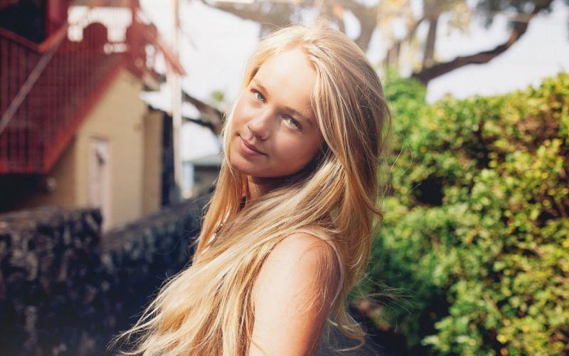 Blonde Piercing Face wallpaper