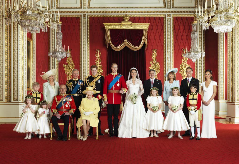 wedding family portrait the Prince of Wales Kate Katherine Middleton Harry Elizabeth children boys girls aunties uncles wallpaper