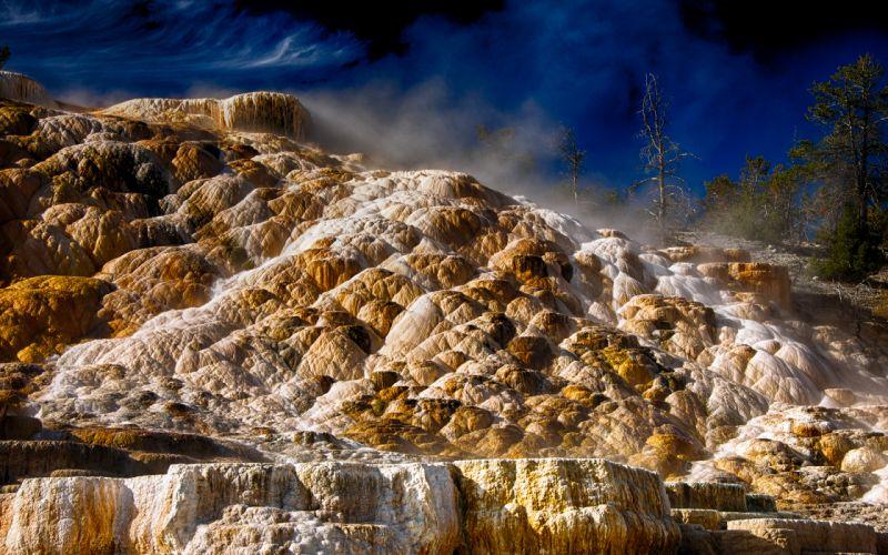 Yellowstone Minerals steam fog wallpaper