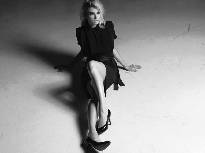 Jessica Hart blonde model women females girls fashion black white monochrome j wallpaper