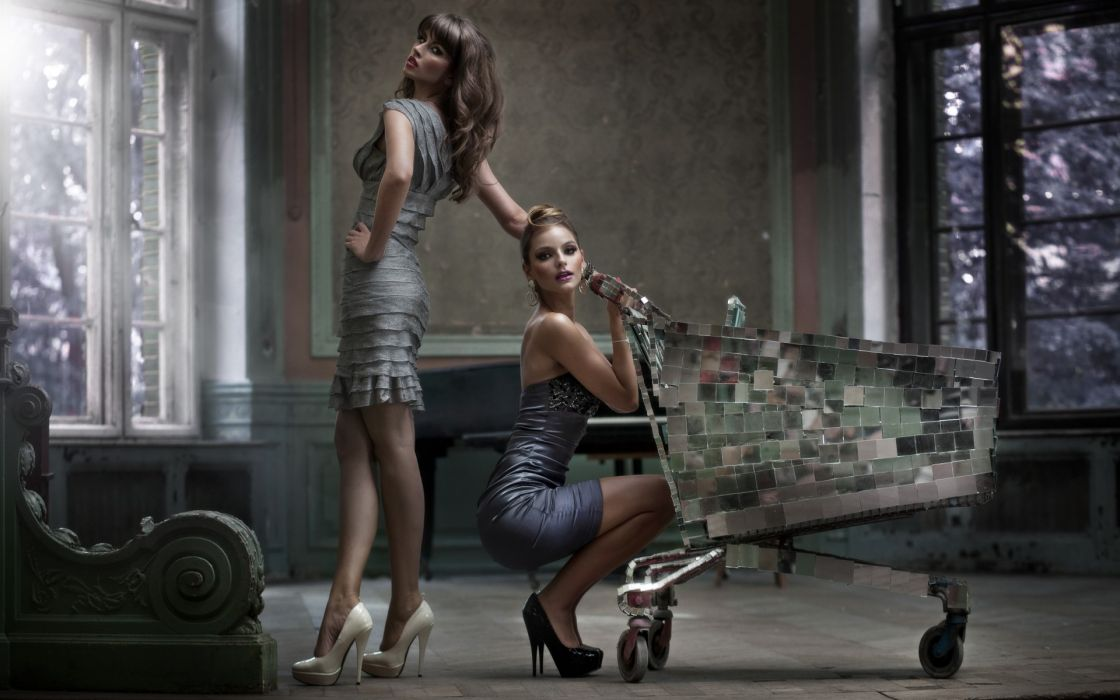girl look woman dress tiles cart box creative women females girls fashion models wallpaper