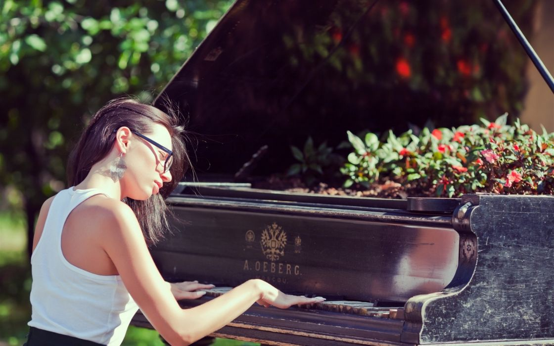 keys piano mood women females girl ruins decay sunglasses brunettes wallpaper
