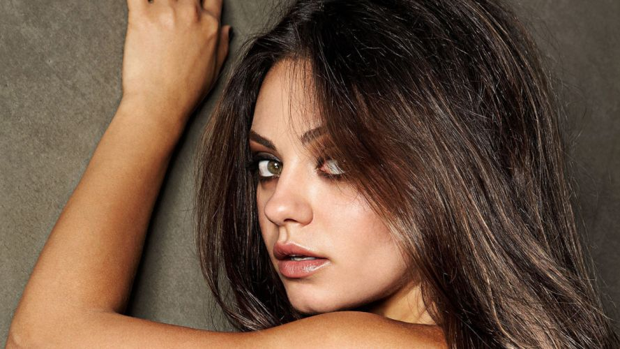 Mila Kunis Brunette Face wallpaper