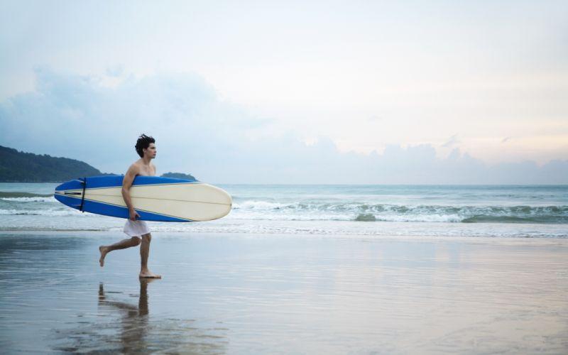 rest board man boy beach surfer surf sand waves ocean surfing wallpaper