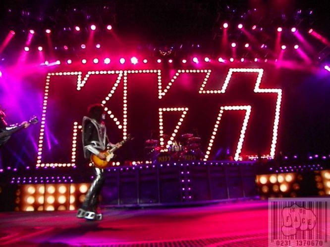 Kiss heavy metal rock bands concert guitar q_JPG wallpaper
