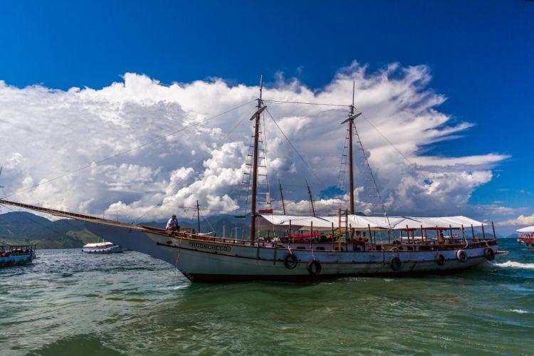 Ships Motorboat Clouds wallpaper