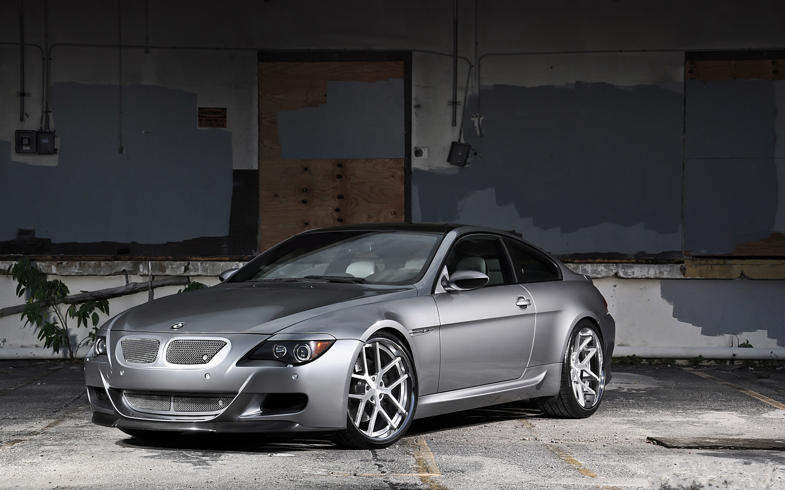bmw m6 e63 silver wheels wall bmw silver wall wheels. Black Bedroom Furniture Sets. Home Design Ideas