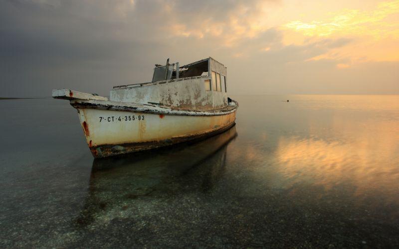Boat Abandon Deserted Dilapidated Ocean wallpaper