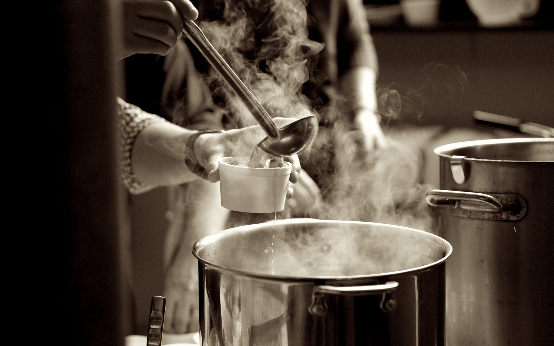 Steam From Soup ~ Steaming pot of soup imgkid the image kid has it