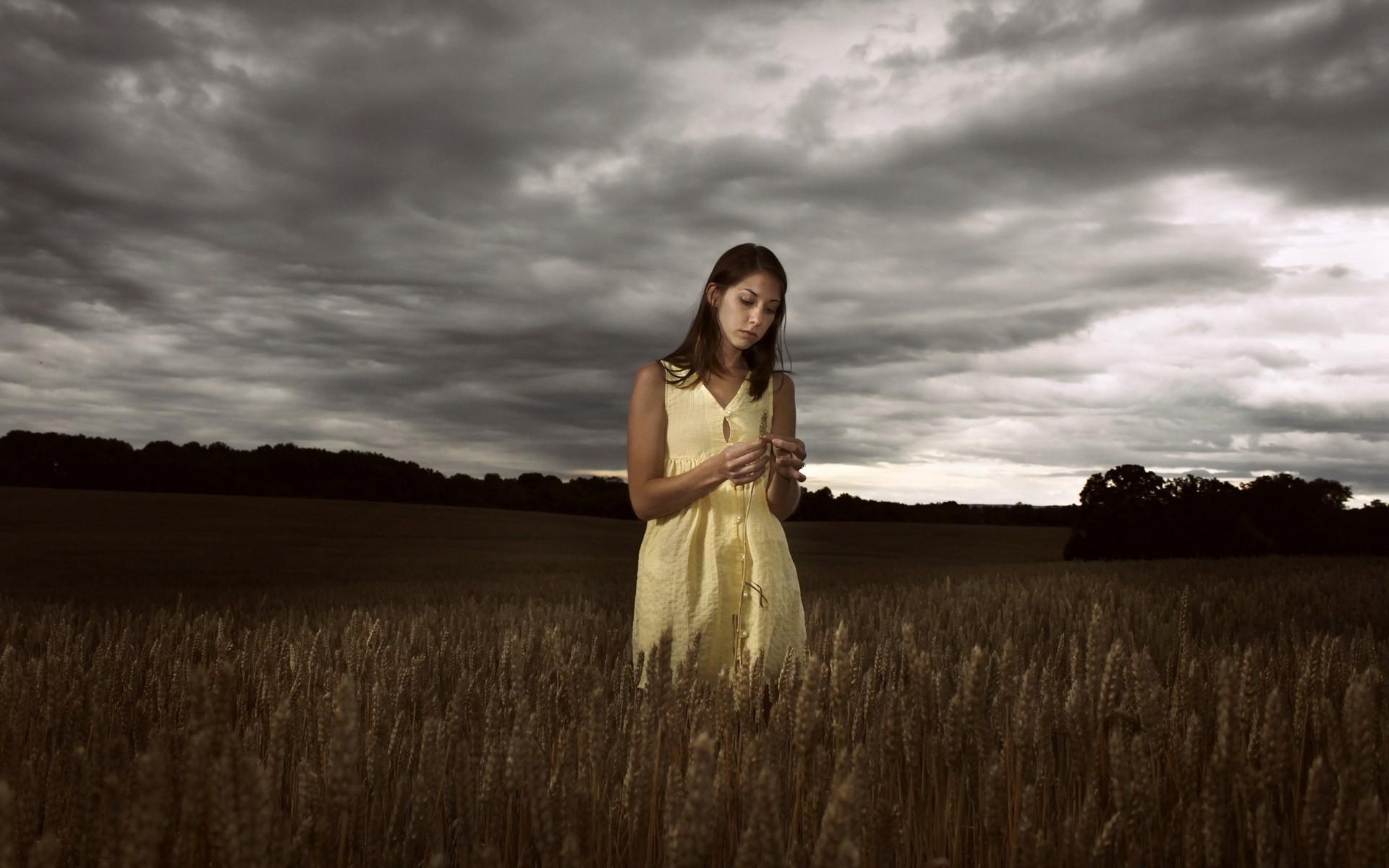 Фото девушка в паутине, Фото: Девушка, которая застряла в паутине Кадр из 1 фотография