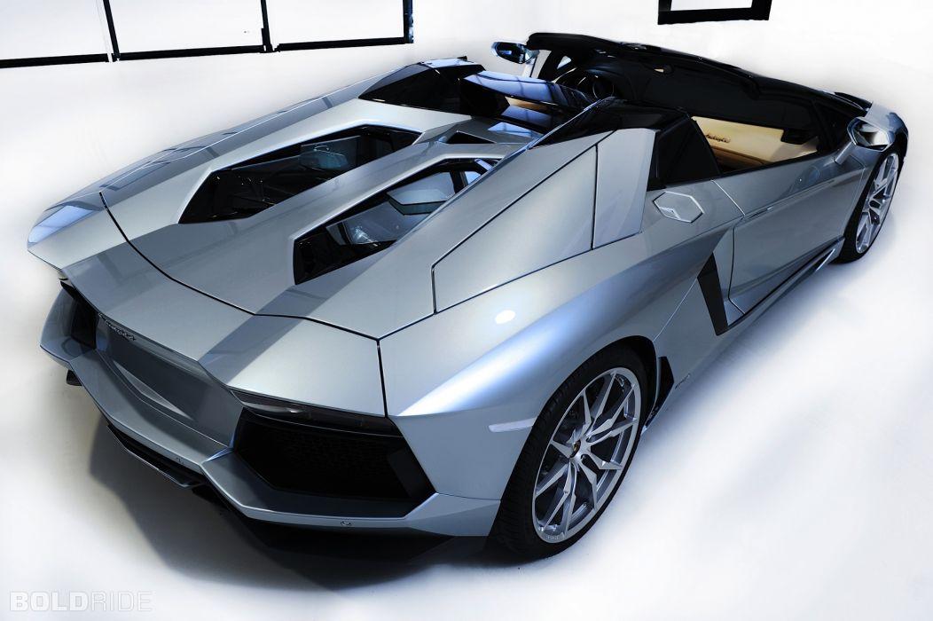 Roadster 2013 Lamborghini Aventador LP700-4 supercar supercars          o wallpaper
