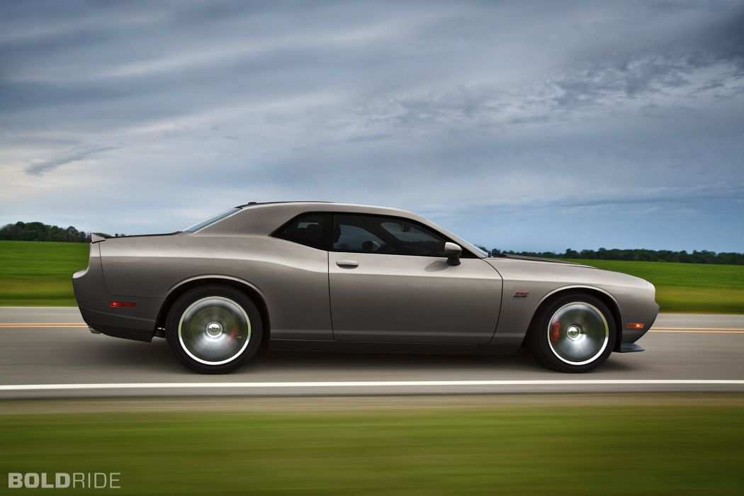 SRT8 2012 Dodge Challenger 392        b wallpaper