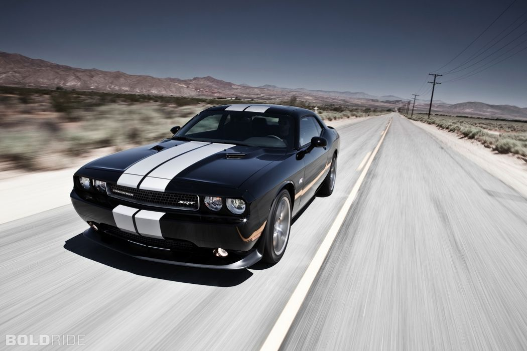 SRT8 2012 Dodge Challenger 392       d wallpaper