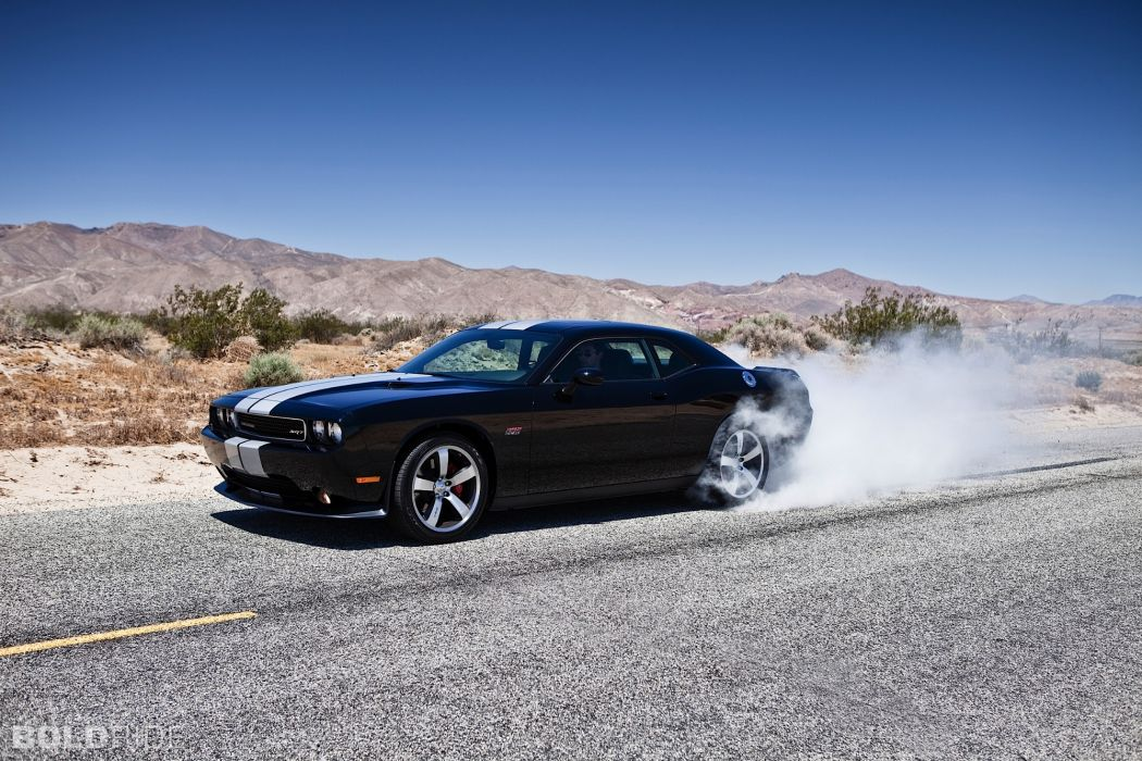 SRT8 2012 Dodge Challenger 392       a wallpaper