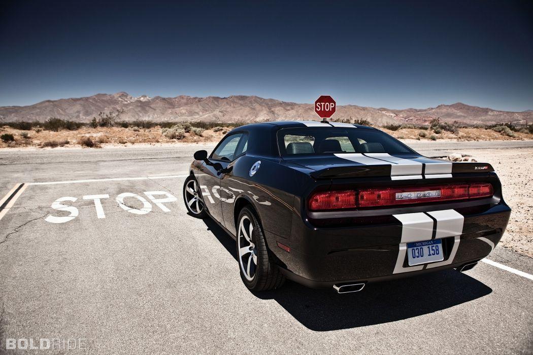SRT8 2012 Dodge Challenger 392       x wallpaper