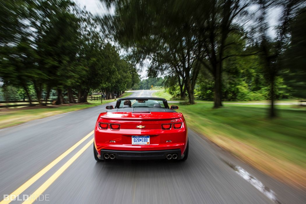 2013 Chevrolet Camaro ZL1 Convertible muscle cars      f wallpaper