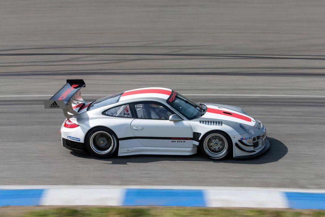 2013 Porsche 911 GT3-R GT3 racing race     z wallpaper