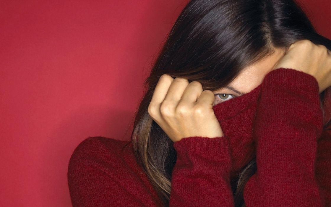 Brunette Face Hide mood wallpaper