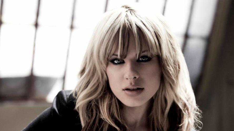 Orianthi Panagaris guitarist rock women females girl girls musician pop blonde blondes q wallpaper