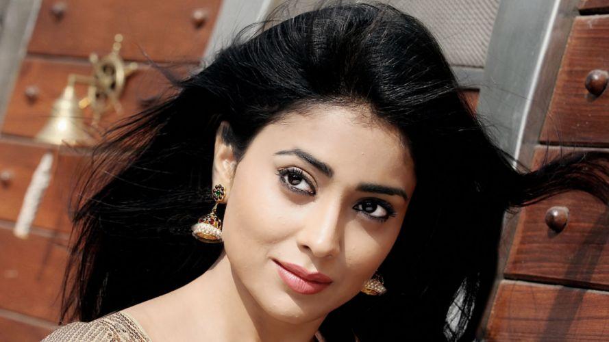 Shriya Saran Indian Telugu Cinema Actress Sexy Cute Hot wallpaper