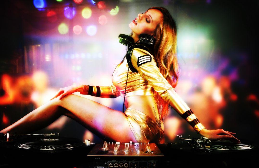 electronic disc jockey turntable girl girls headphones wallpaper