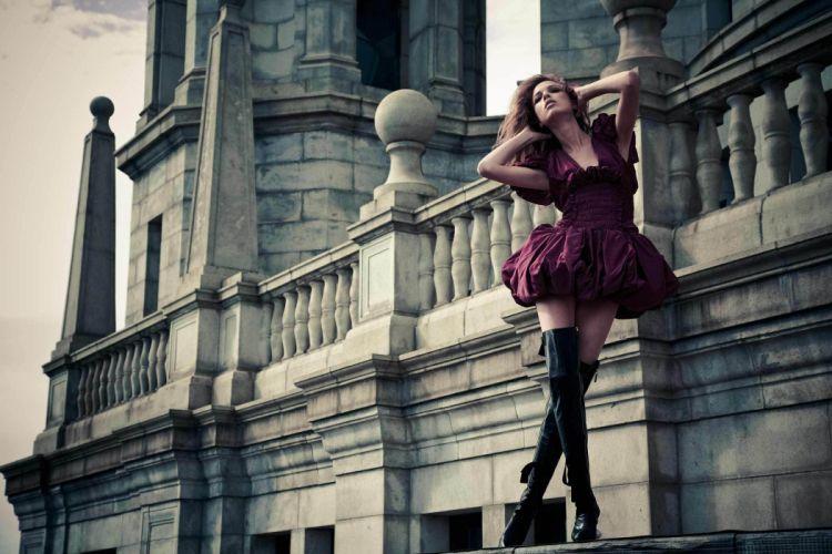 Model-Red-skirt-Girl wallpaper