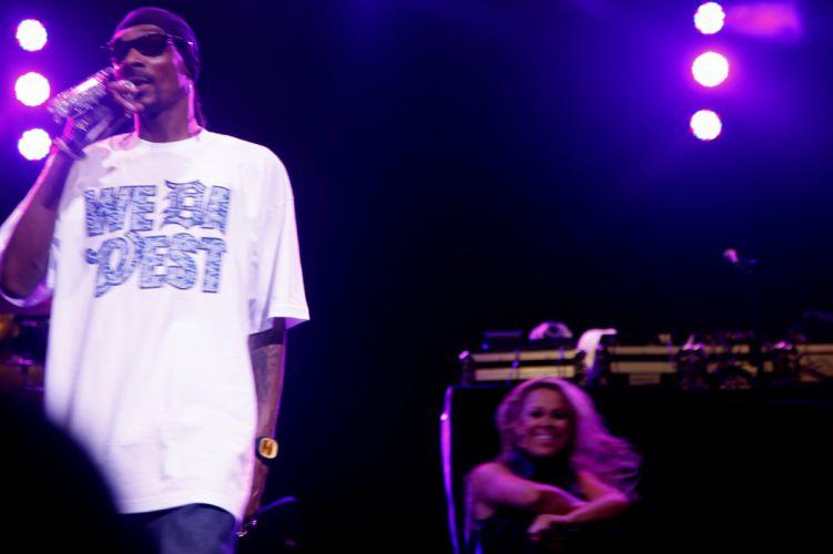 SNOOP-DOGG snoop dogg gangsta hip-hop hip hop rap concert concerts microphone m wallpaper