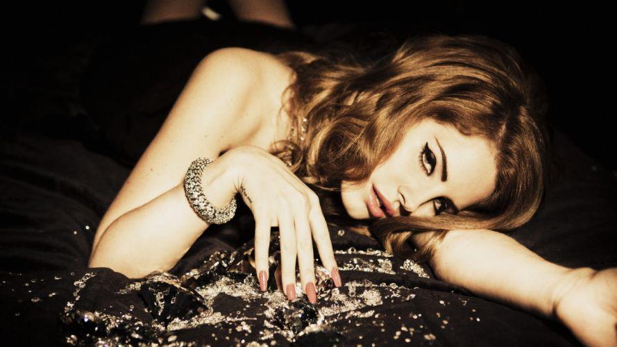 Lana Del Rey Brunette Hand girl girls wallpaper