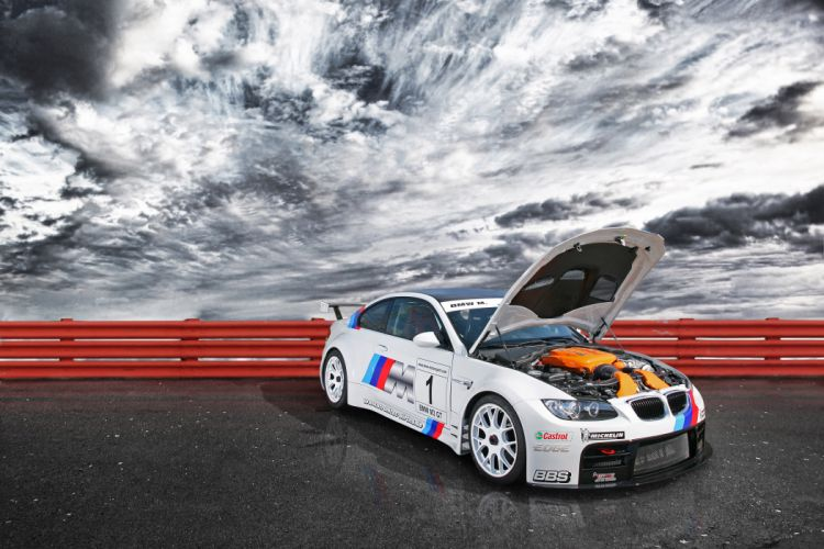 2011 CLP BMW M-3 G-T race racing engine engines wallpaper
