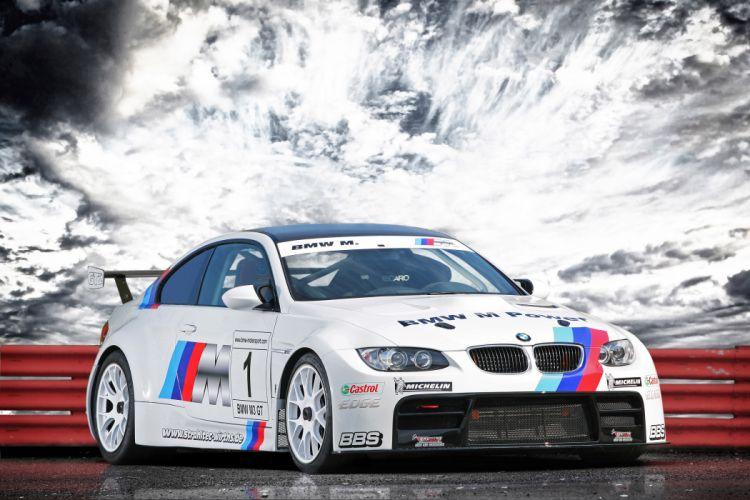 2011 CLP BMW M-3 G-T race racing q wallpaper