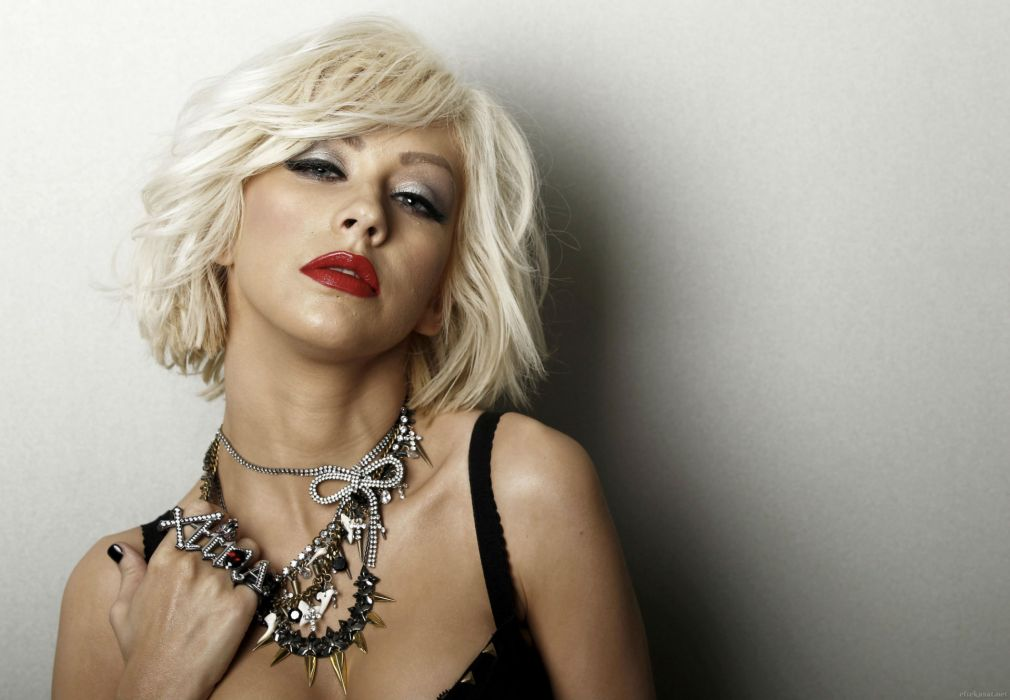 339816-pinkoo39Christina Aguilera Blonde girl Red lips Glance Music Girls Celebrities wallpaper