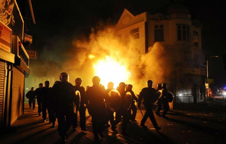 anarchy riot police crowd dark revolution fire y wallpaper