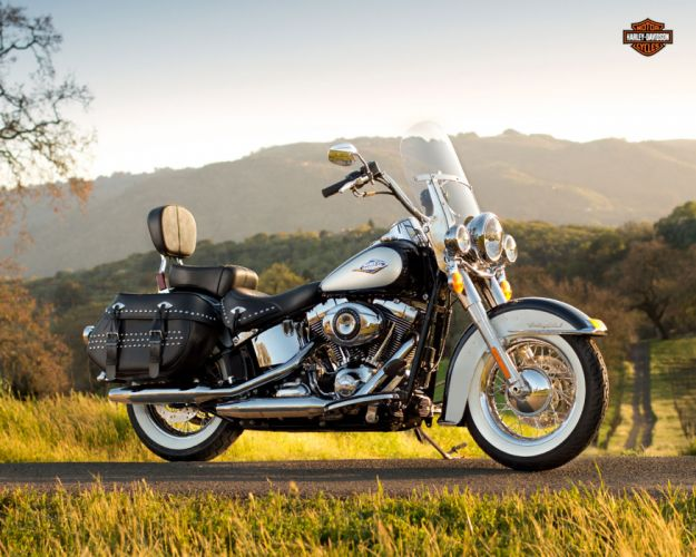 2013 Harley Davidson FLSTC Heritage Softail Classic wallpaper