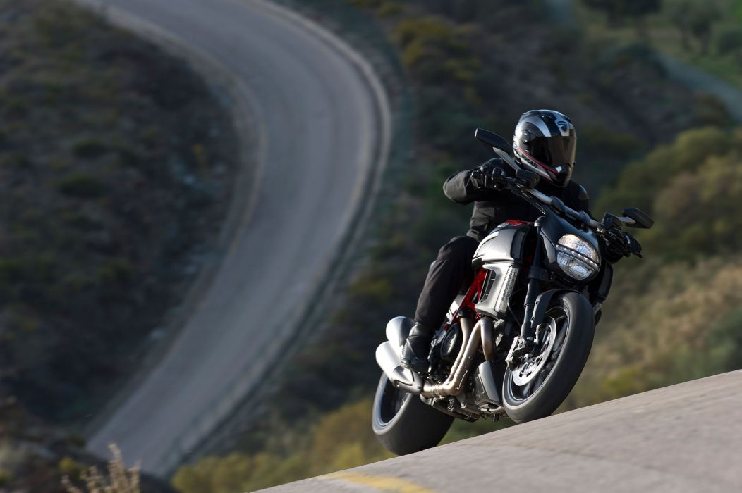 2013 Ducati Diavel Carbon q wallpaper