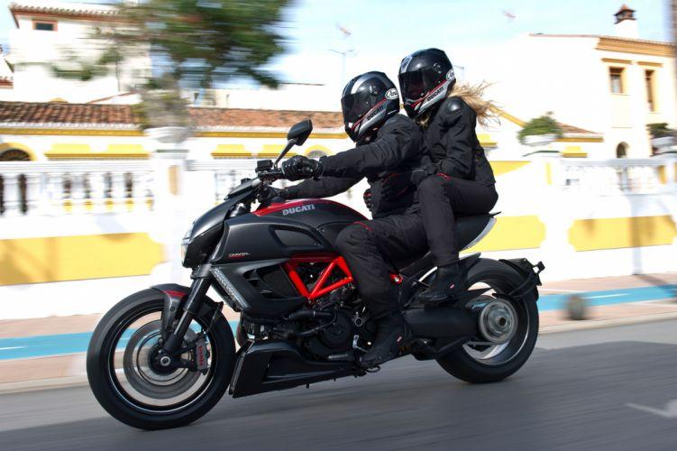 2013 Ducati Diavel Carbon wallpaper