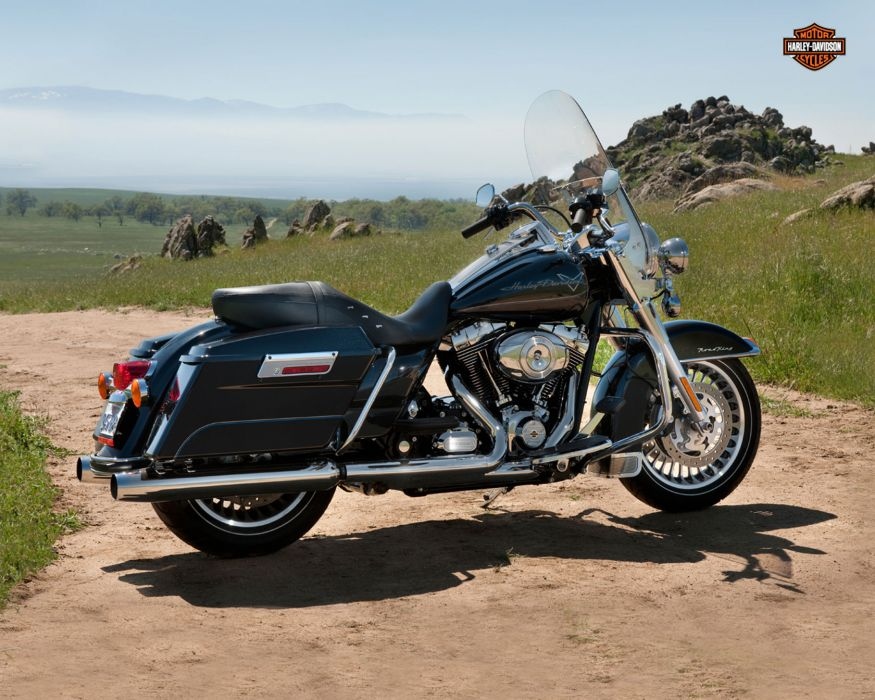 2013 Harley Davidson FLHR Road King wallpaper