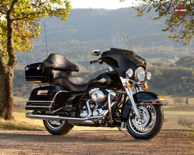 2013 Harley Davidson FLHTC Electra Glide Classic wallpaper