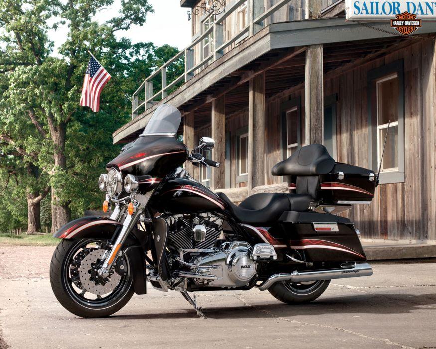 2013 Harley Davidson FLHTCU Ultra Classic Electra Glide w wallpaper