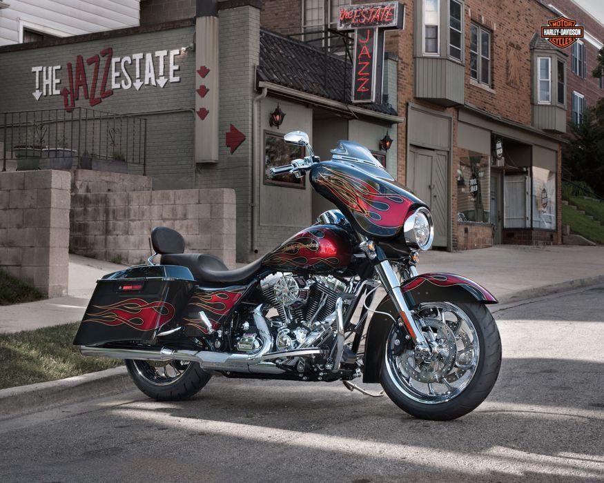 2013 Harley Davidson FLHX Street Glide q wallpaper