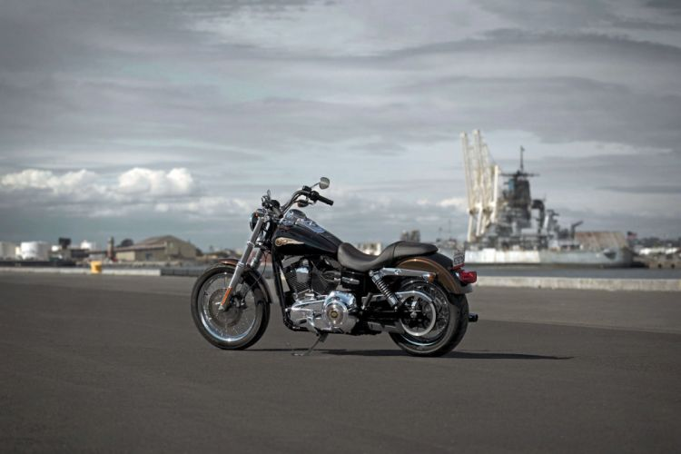 2013 Harley Davidson FXDC Dyna Super Glide Custom wallpaper