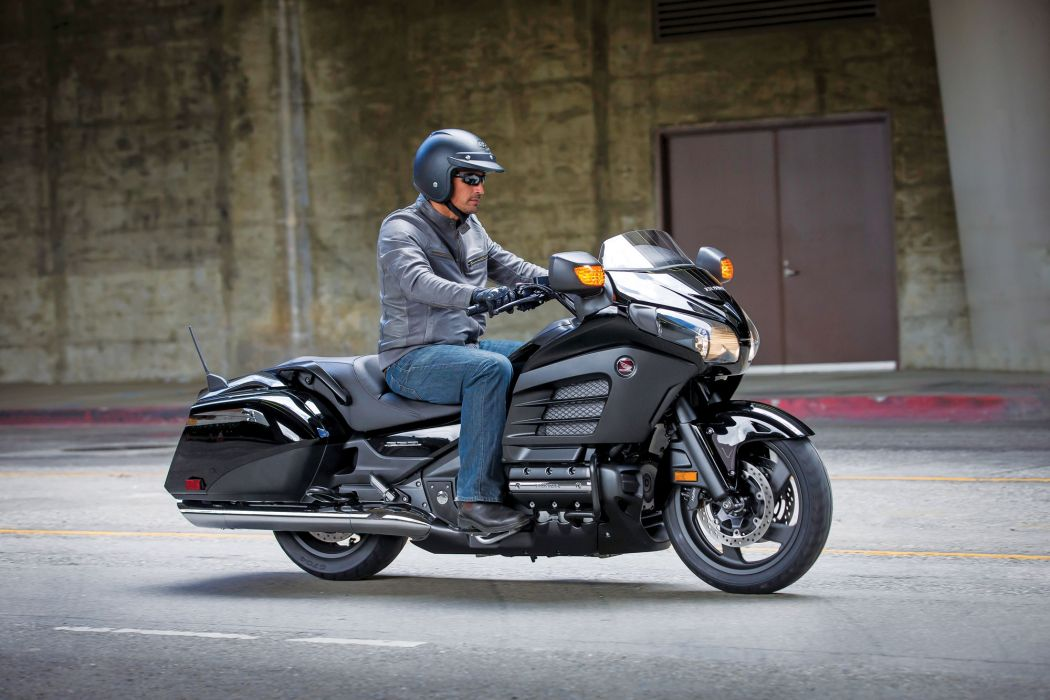2013 Honda Gold Wing F6B q w wallpaper