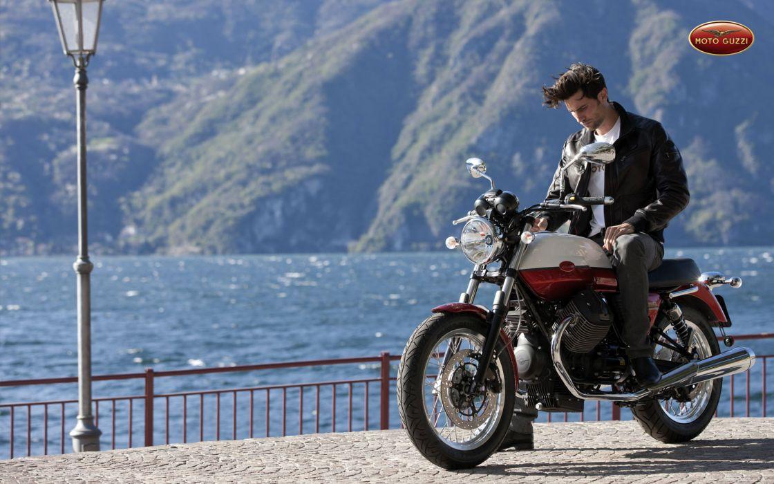2013 Moto Guzzi V-7 Classic wallpaper