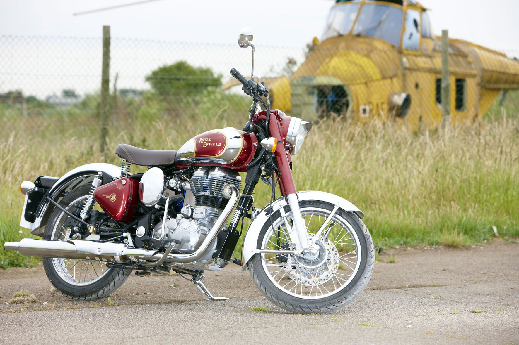 Bullet Bike Images In Hd: 2013 Royal Enfield Bullet C-5 Classic Chrome Wallpaper
