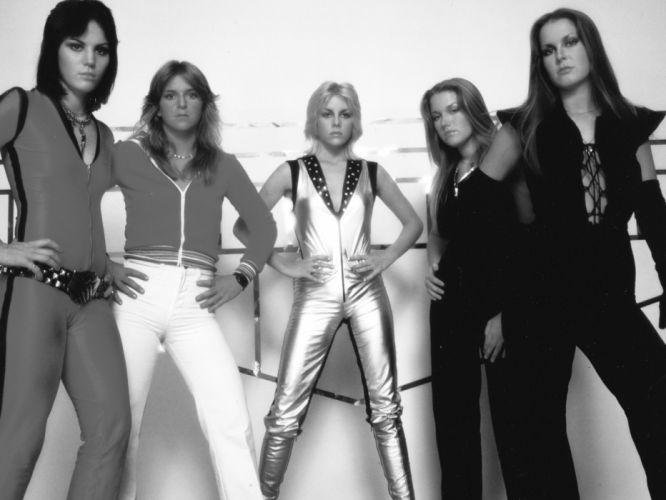 JOAN JETT THE RUNAWAYS lita ford hard rock singer band bands group groups girl girls women wallpaper